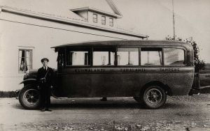 800px-Bus_Finland_1920s2