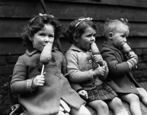 ww2_3_children_carrot_sticks