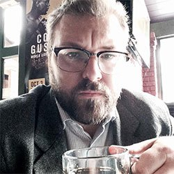 Author Nico Laeser